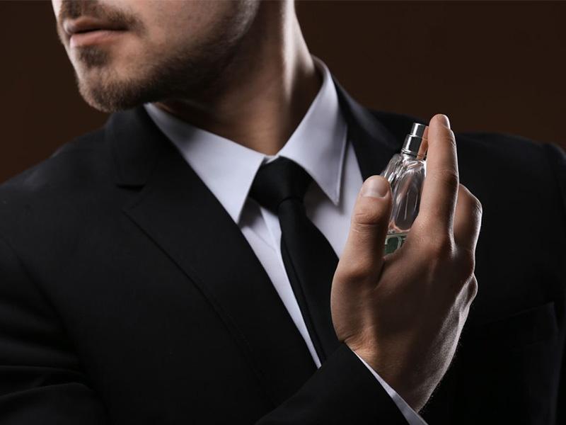 دانستنیهای عطر - زنان میتوانند عطر مردانه بزنند